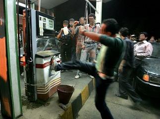 جزئیات حمله اراذل و اوباش به و اراذل نیمه عریان جنوب تهران را